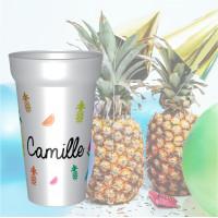 Gobelet personnalisé avec des fruits tel que des ananas et des pastèques ainsi que le prénom de votre enfant. Personnali